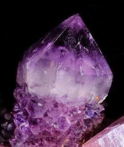 6425f589566b0d0c72b9f4f8240592ab--gems-and-minerals-crystals-minerals