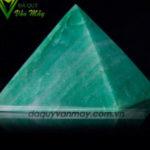 Kim tự tháp đá thạch anh xanh